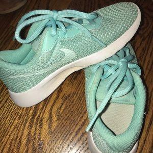 Nike Tanjun Girls Size 12.5C